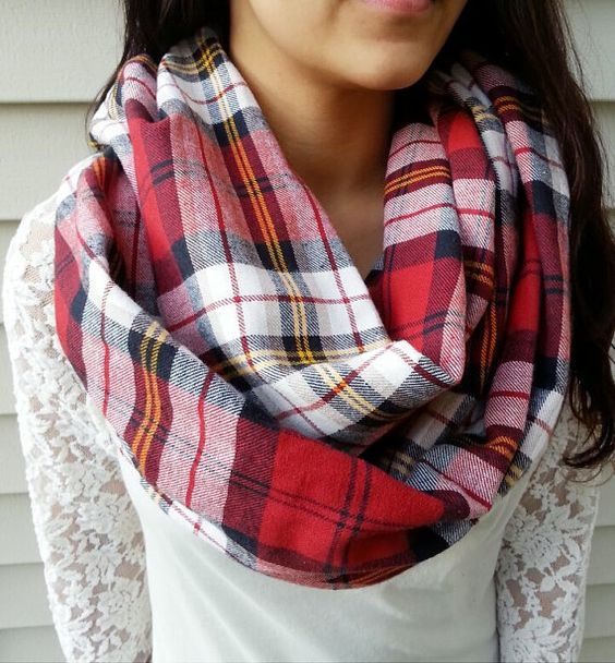 Hello friends! I hope you are enjoying Plaid Week! Today's pattern is a no-brainer. Even before I thought of doing a whole week of plaid, I knew I needed to make a crochet plaid infinity scarf.