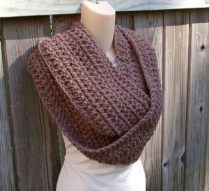 Simple Crochet Infinity Scarf