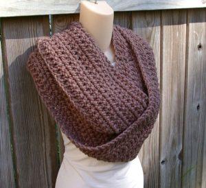 Simple Crochet Infinity Scarf