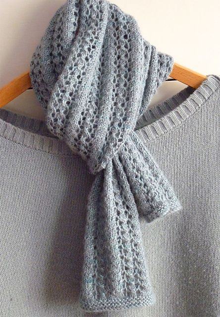Knitting Scarf : Knit scarf designs and patterns world